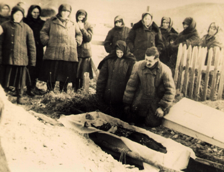 Funeral in an exiles' village in the Krasnoyarsk region