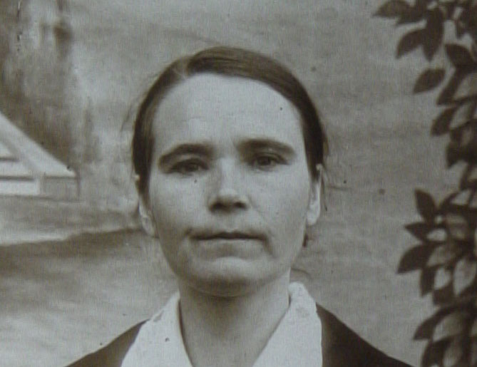 Anna Kovalchuk's mother in exile