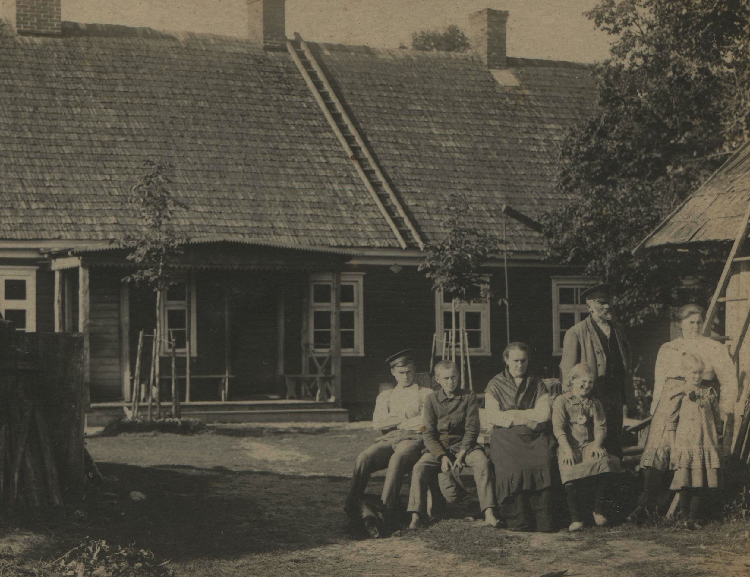 The Zalcmane family's khutor before the Soviet annexation