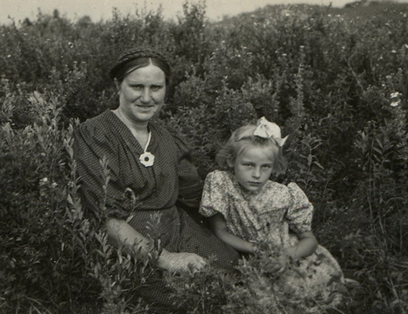 Rimgaudas Ruzgys's mother and sister Regina, 1953