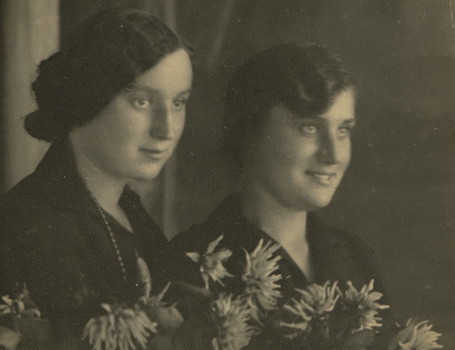 Rimgaudas's mother (right) with her sister before deportation